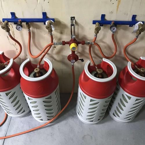 Рампа пропанова на 4 балони 6кг/год 50 mbar автоматична (комплект)